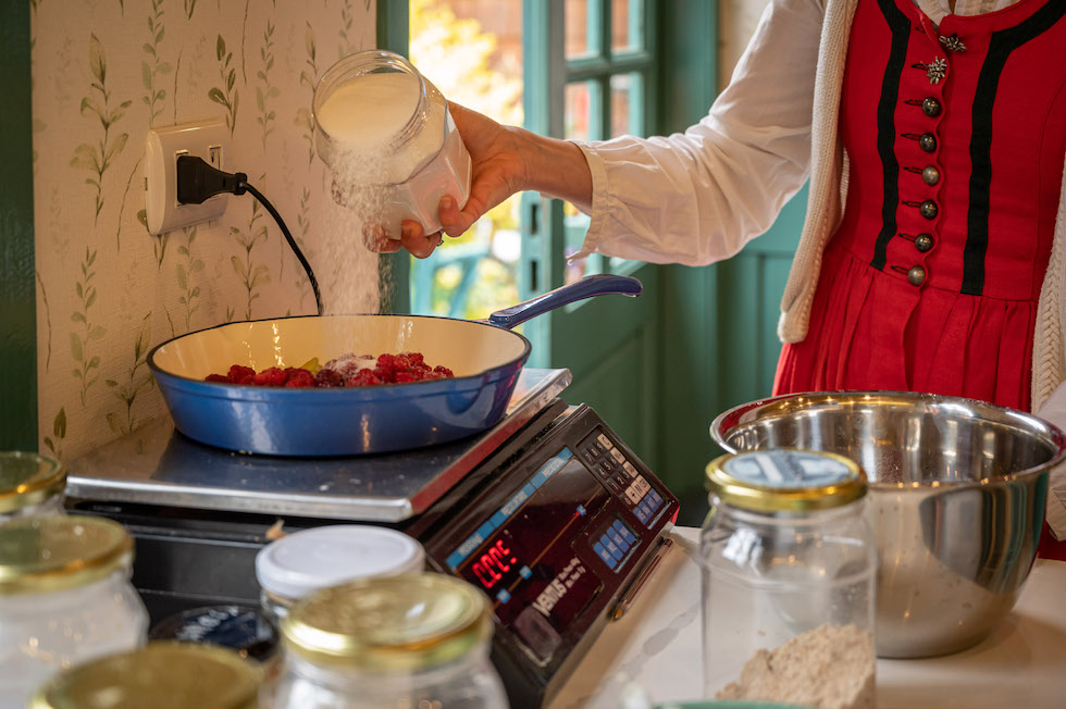 Mermelada con frutos de temporada & brioche